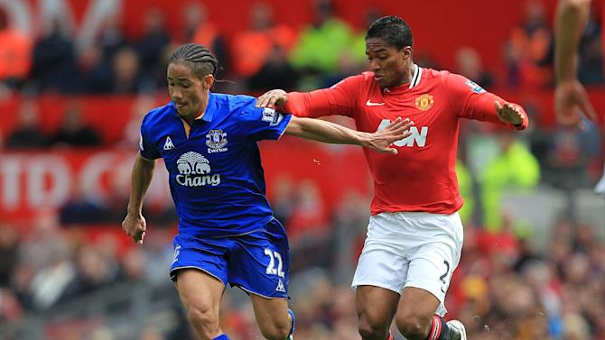 Steven Pienaar, left, has penned a four-year deal with the Toffees