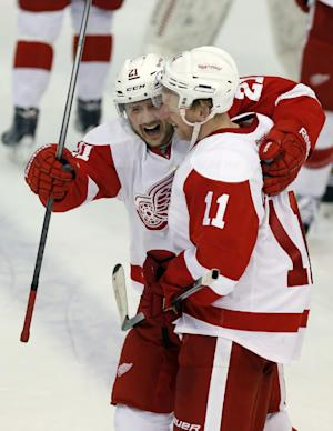 Red Wings beat Penguins 5-4 just before end of OT
