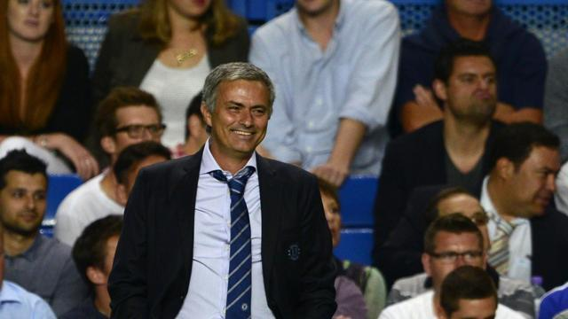Premier League - Oscar hails Mourinho influence