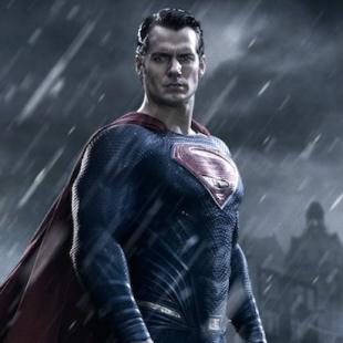 Zack Snyder Unveils 'Batman v Superman' Trailer – For Real This Time (Video)