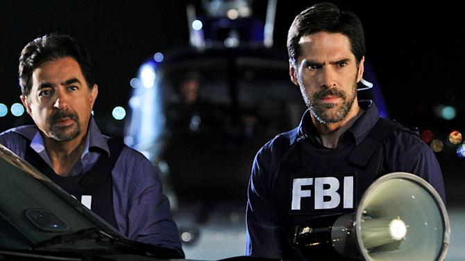 """""""It Takes A Village"""" -- Rossi (Joe Mantegna) and Hotchner (Thomas Gibson) attempt to locate a suspect, on the seventh season premiere of CRIMINAL MINDS, Wednesday, Sept. 21 (9:00-10:00 PM, ET/PT) on the CBS Television Network.  Paget Brewster returns as Emily Prentiss and A.J. Cook returns as Jennifer """"JJ"""" Jareau. Photo: MATT KENNEDY/CBS ©2011 CBS BROADCASTING INC. All Rights Reserved. Criminal Minds"""