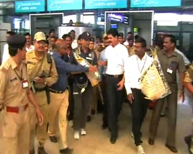 India and Australia's arrival at Hyderabad airport