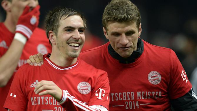 Bundesliga - Mueller, Lahm sign new contracts at Bayern