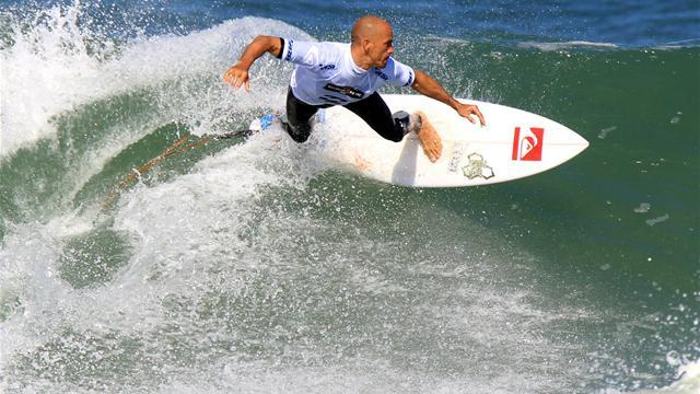 Slater reaches landmark with victory at Trestles