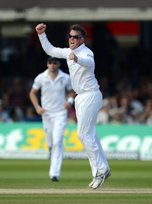 Graeme Swann picked up four wickets on the opening day of the first Test