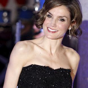 Spain's Queen Letizia poses for a picture before a gala dinner at presidential palace in Tegucigalpa