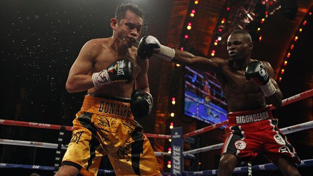 Boxing - Rigondeaux booed despite upsetting Donaire