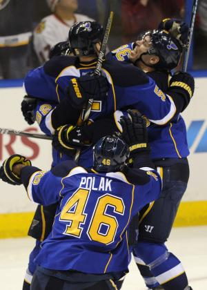 Blues beat Blackhawks 4-3 in OT, take 2-0 lead