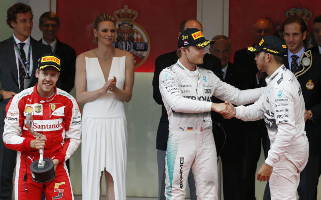 Mercedes gamble costs Hamilton as teammate Rosberg wins