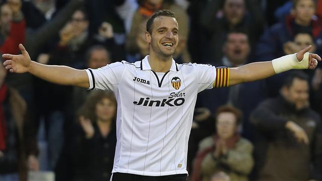 Premier League - Valencia reject Tottenham bid for Soldado