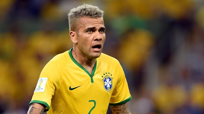 Liga - Rumour: Barcelona widening right-back search as Alves heads for exit
