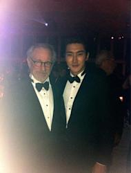 Choi Si Won reveals a photo with Steven Spielberg