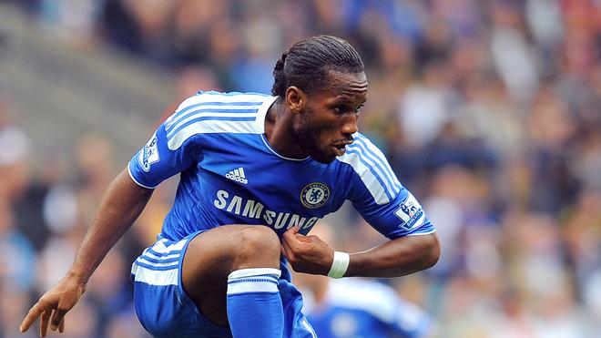 Chelsea's Ivorian Forward Didier Drogba Controls The Ball  AFP PHOTO/ANDREW YATES.  ANDREW YATES/AFP/GettyImages AFP/Getty Images