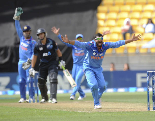 India's Ravindra Jadeja pleads with the umpire for an ibw decision on New Zealand's Ross Taylor in the fifth and final one-day international cricket match in Wellington, New Zealand, Friday, Jan.
