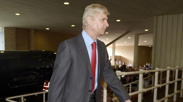 Premier League - Wenger set to sign new long-term deal