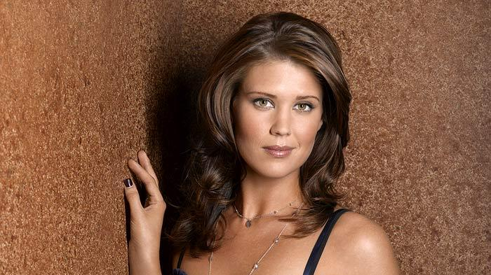 Sarah Lancaster stars as Marjorie in What About Brian on ABC.