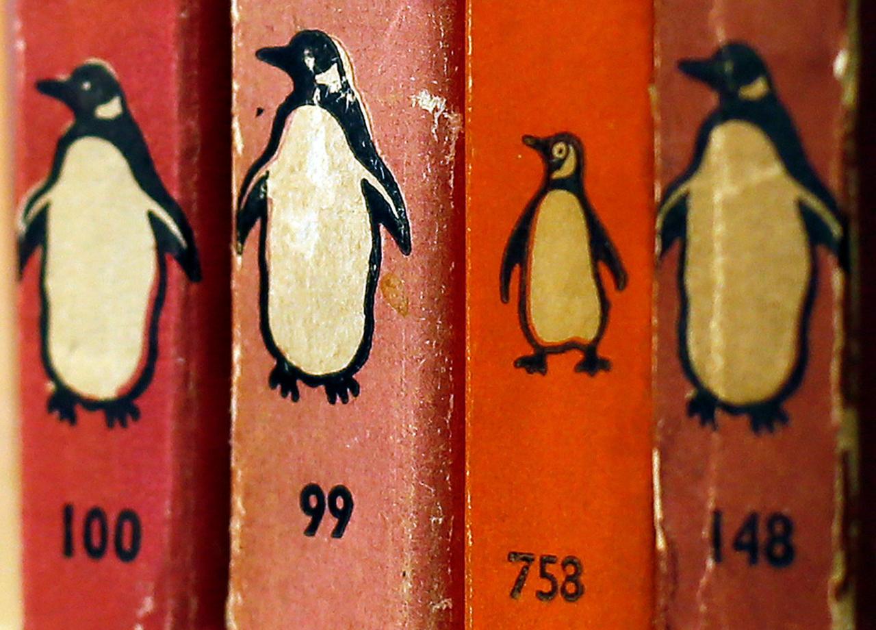 <p>Asistentes de producción o diseñadores de marketing son algunos de los perfiles que busca Penguin Random House sin exigir específicamente un título universitario en Glassdoor, que le da una nota de 4,4. (Foto: Stefan Wermuth / Reuters). </p>