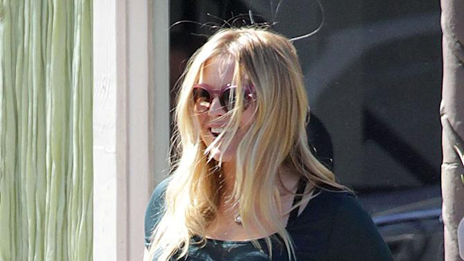 Exclusive... Kristen Bell Shows Off Her Huge Baby Bump NO INTERNET USE WITHOUT PRIOR