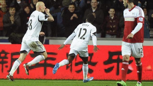 Premier League - Swansea ease pressure with win over Fulham