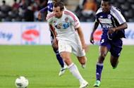 Socceroos captain Lucas Neill linked with move to Qatar - report