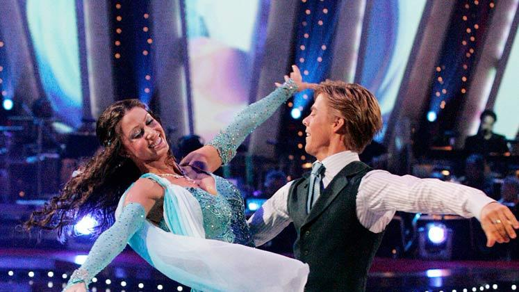 Shannon Elizabeth and Derek Hough perform a dance on the sixth season of Dancing with the Stars.