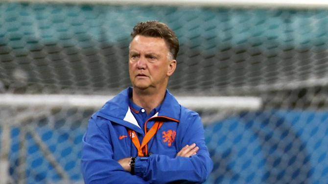 Premier League - Van Gaal will wait to make Man United signings