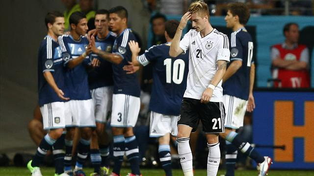 World Cup - Argentina punish 10-man Germany