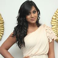 Thulasi's image makeover in Yaan!