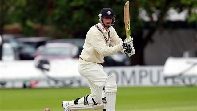 County - Pietersen hits 177 not out on comeback