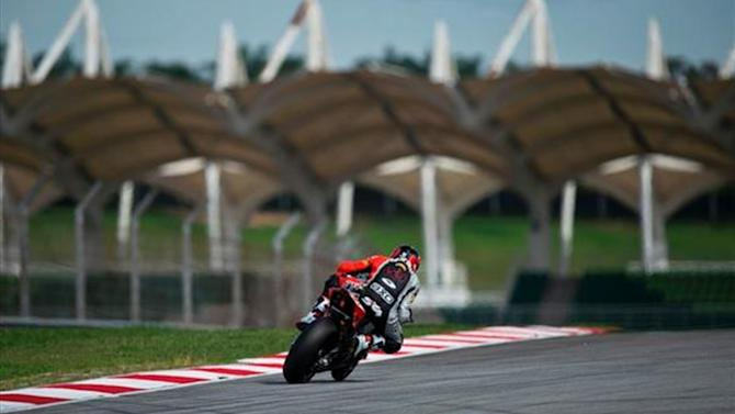 Superbikes - Sepang WSBK: Guintoli edges Sykes to take pole