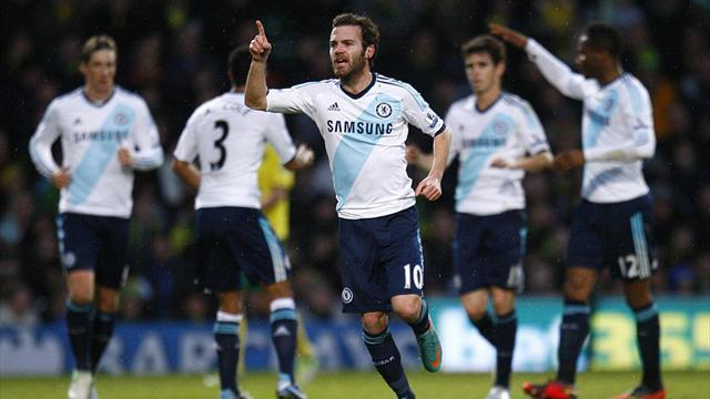 Football - Mata fires Chelsea to victory