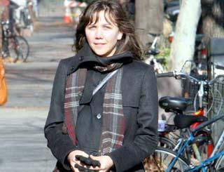 pst Maggie Gyllenhaal Bundled Up