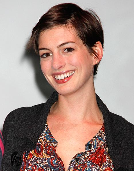 "Anne Hathaway on Her Les Miserables Buzz Cut: ""I Looked Like My Gay Brother"""