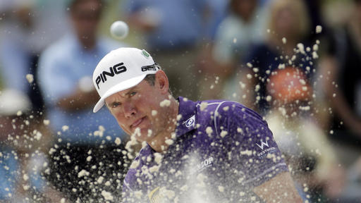Westwood takes early lead at Malaysian Open