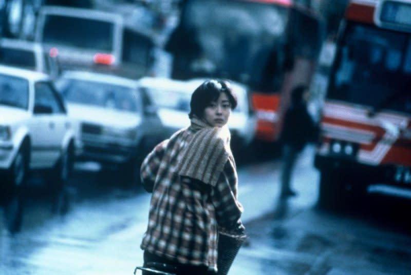 <p>中山美穗在《情書》中一人分飾兩角,其中一角為與男主角同名同姓的的藤井樹。 </p>