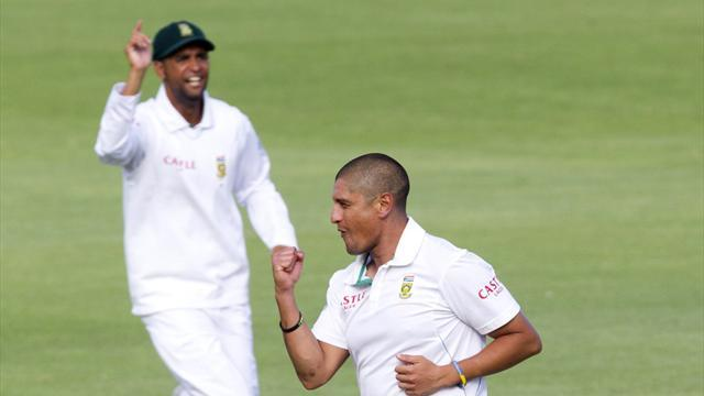 Cricket - South Africa inch closer to victory after India collapse