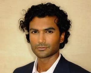 Hot in Cleveland Exclusive: Sendhil Ramamurthy to Play Doctor With Joy