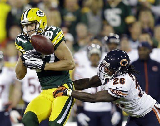 Packers run fake FG, beat Bears 23-10