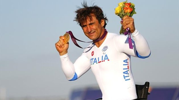Alex Zanardi claims gold at the Paralympics (Reuters)