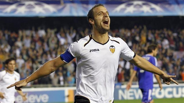 Liga - Valencia gain Copa upper hand against Osasuna