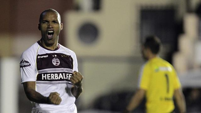 South American Football - Union deny Lanus chance to go clear at top in Argentina