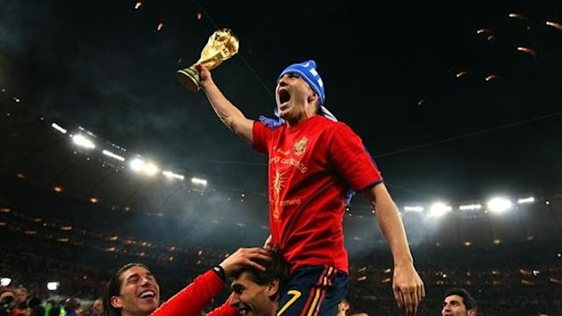 spain world cup trophy 2010