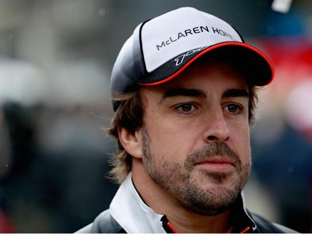 Fernando Alonso confirms Mercedes tried to lure him away after Nico Rosberg's shock retirement