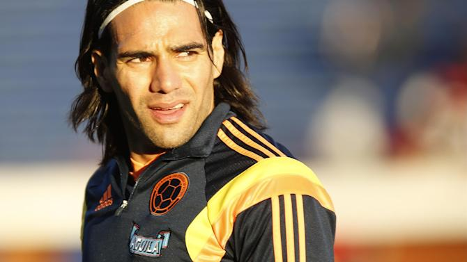 Premier League - United confirm Falcao loan capture with option to buy