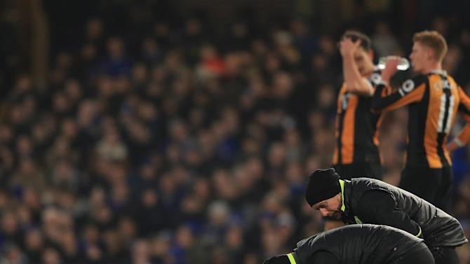 Brain injury charity hails Hull and Chelsea's treatment of Ryan Mason after midfielder's skull fracture