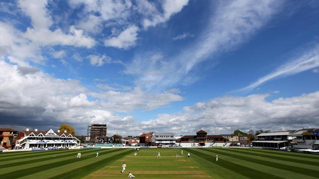 Cricket - Rehman to return for Somerset after ban