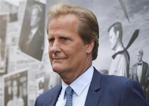 "Cast member Jeff Daniels arrives for the season 2 premiere of his HBO drama series ""The Newsroom"" in Hollywood"
