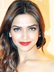 4. Deepika Padukone: The 'Cocktail' star did take fashion to a whole new level in her recent film, but she didn't stop there. The tall beauty was spotted donning an old Hollywood look at a recent award function. The lacy red gown, red lips and a perfect hairdo made her look like a diva!
