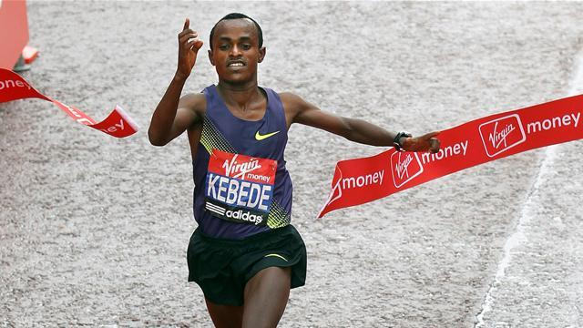 Kebede wins Chicago marathon in blistering time