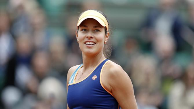Tennis - Top seed Ivanovic through in Birmingham but Stosur ousted